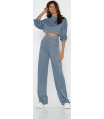 womens back to basics crop top and pants lounge set - blue