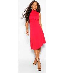 asymmetrische midi skater jurk met hoge kraag, rood