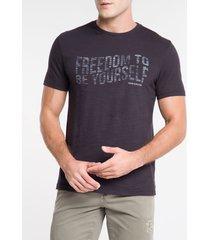 camiseta masculina freedom to be yourself preta calvin klein jeans - pp