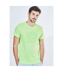 camiseta lettering neon verde