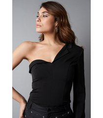 na-kd party one sleeve asymmetric blazer - black
