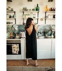 czarna sukienka z wiskozy mon cheri