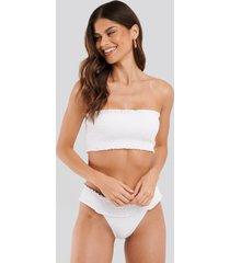 na-kd swimwear smocked flounce bikini panty - white
