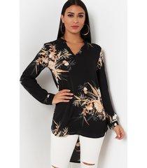 blusa con estampado floral al azar con diseño de hendidura negra