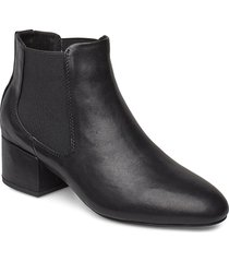 sophy low chelsea l shoes boots ankle boots ankle boots with heel svart shoe the bear