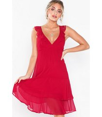 nly eve flounce dream dress loose fit