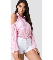 na-kd flounce sleeve cold shoulder shirt - pink