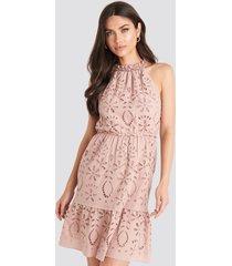 na-kd boho high neck anglaise dress - pink