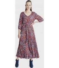 vestido manga 3/4 con plisado terracota curvi