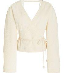 abel balloon-sleeve cloqué wrap top