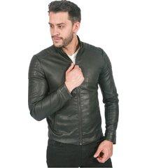 chaqueta para hombre color negro en polipiel con cremallera central y bolsillos laterales
