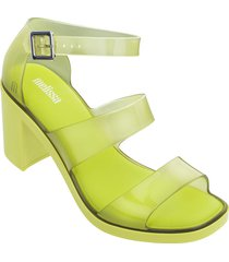 sandalia amarillo melissa model ad