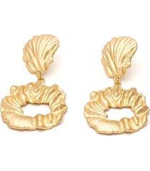 aretes dorados concha de mar