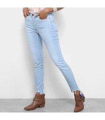 calça jeans jegging carmim barra desfiada cintura média feminina