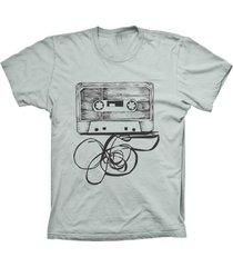 camiseta lu geek manga curta fita k7 prata