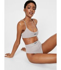 womens ribbed graphic crop top and panty set - grey