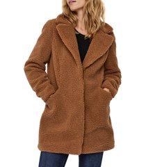 women's vero moda donna faux fur teddy jacket, size medium - brown