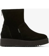 boots dora