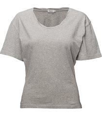 twist-neck tee t-shirts & tops short-sleeved grijs filippa k