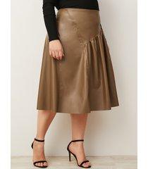 plus falda de piel sintética plisada marrón talla