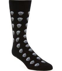alexander mcqueen skull short socks, size medium in black/ivory at nordstrom