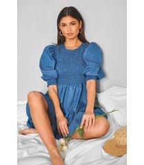 chambray mini-jurk met pofmouwen en studs, middenblauw