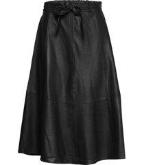 50158 knälång kjol svart depeche