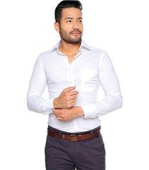 camisa manga larga blanca con spandex slim fit los caballeros