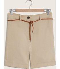shorts cinturón trenzado beige 4