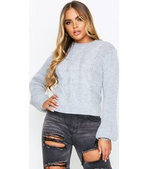 cable knit cropped balloon sleeve sweater, grey