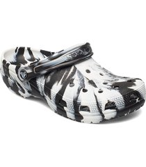classic marbled clog shoes summer shoes pool sliders svart crocs