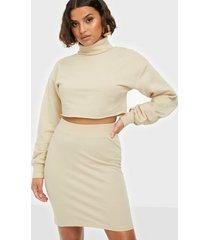 nly trend flirty skirt set loose fit dresses