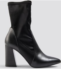 na-kd shoes pu satin sock boots - black
