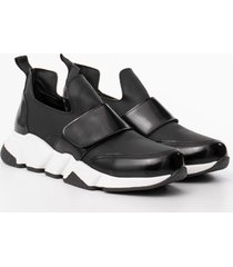 zapatilla negra euro confort