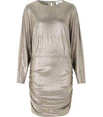 metallic jurk pearl  lichtgoud