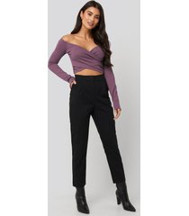 dilara x na-kd front pleated suit pants - black