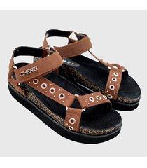 sandalia marrón chenzi malibu