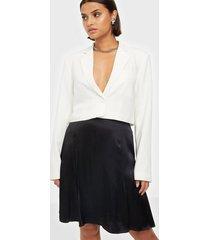 selected femme slfmaralda mw short satin skirt b minikjolar