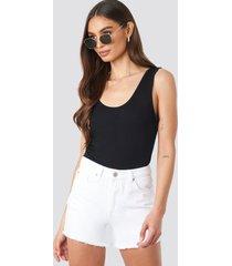 trendyol ripped hem denim shorts - white