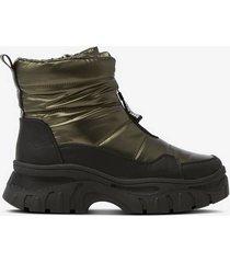 boots, vattenavvisande och varmfodrade