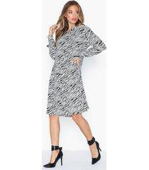 object collectors item objbonnie ls dress pb7 långärmade klänningar