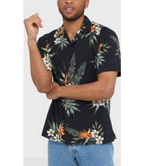 premium by jack & jones jprblaholiday resort shirt s/s rela skjortor svart