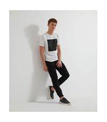 camiseta manga curta com estampa revolution | request | branco | p