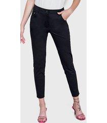 pantalón io básico gabardina negro - calce ajustado