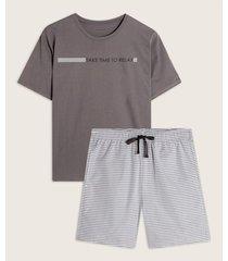 pijama manga corta cuello redondo y bermuda estampada