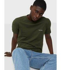 calvin klein cotton chest logo t-shirt t-shirts & linnen green