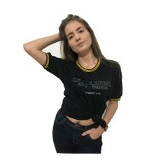 camiseta college deluxe preta