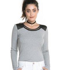 blusa sideral detalhe de couro cinza
