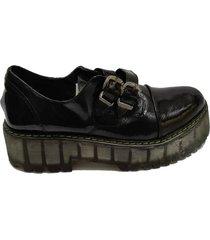 zapato negro via praga