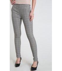 calça legging feminina cintura média em jacquard estampada xadrez branca